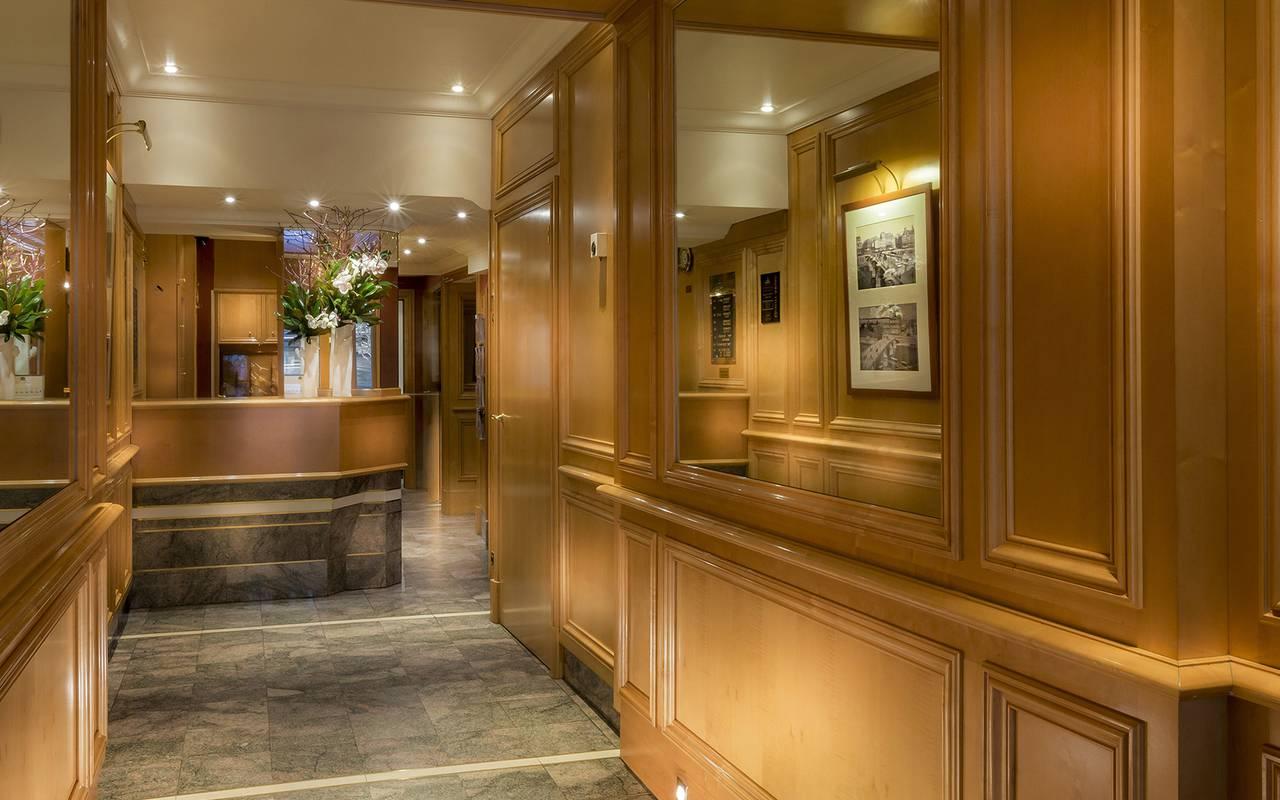 entrée d'hotel de luxe à paris
