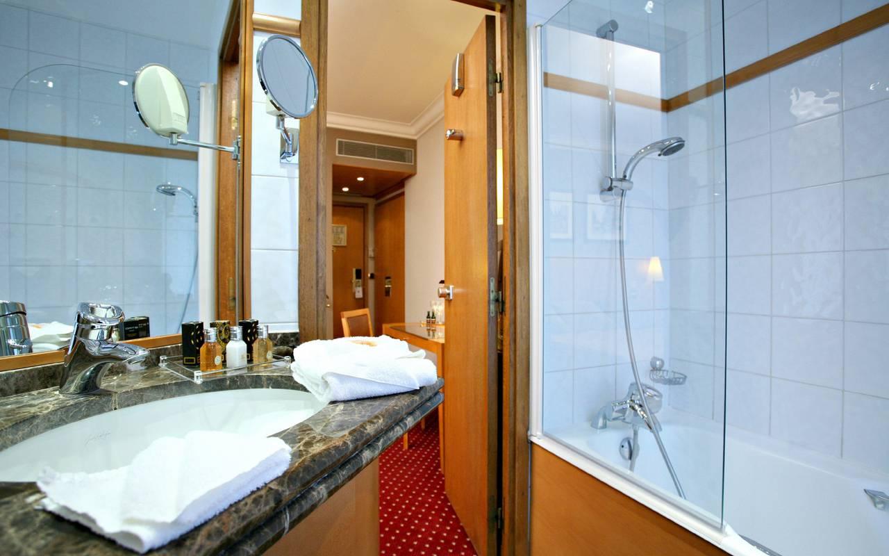 salle de bain hotel de luxe paris centre